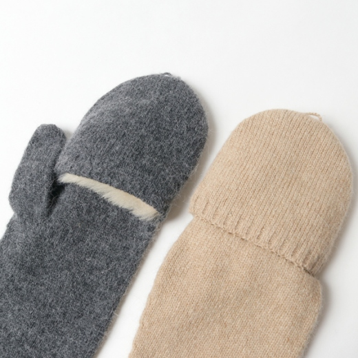 Mouton knit gloves