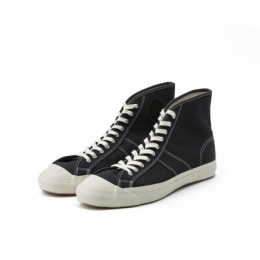 10 HOLE ATHLETIC SNEAKER