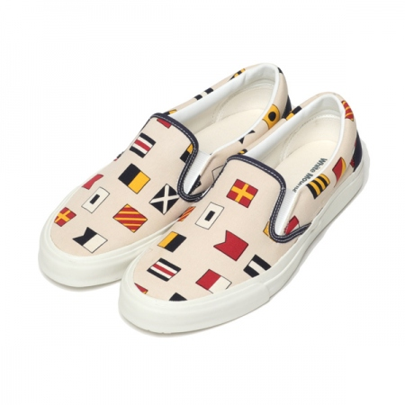 FLAG PRINT SLIP-ON